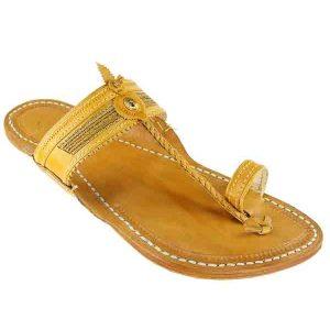 Good Looking Light Yellow Kapshi Chapal For Men