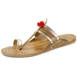 Designer'S Silver Rivets Authentic Kolhapuri Chappal For Women