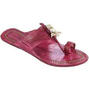 Designer'S Royal Look Rubin Fine Braids Flat Heel Ladies Kolhapuri Chappal